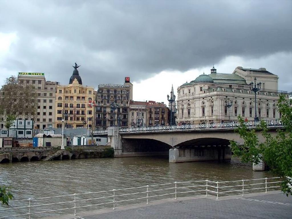Foto del Arenal y del Puente del Arenal (Bilbao)