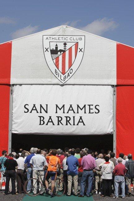 Carpa para la presentación de San Mames Barria