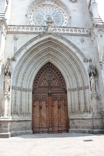 Catedral de Santiago (Bilbao), Entrada principal