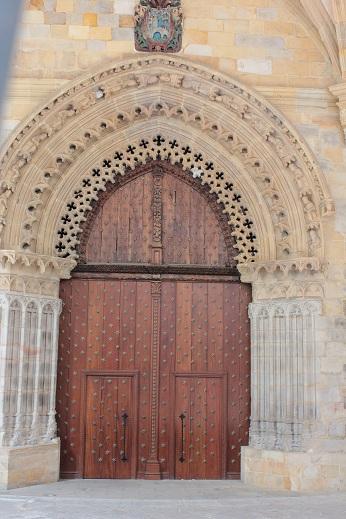 Catedral de Santiago (Bilbao), Entrada lateral