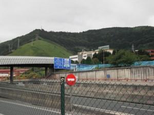 Camino de ascenso al Pagasarri: Edificio Iberdrola