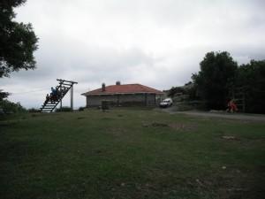 Camino de ascenso al Pagasarri: Campa y bar del Pagasarri