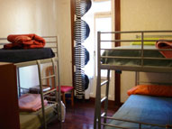 surf backpackers hostal bilbao 191x143 Hostales en Bilbao